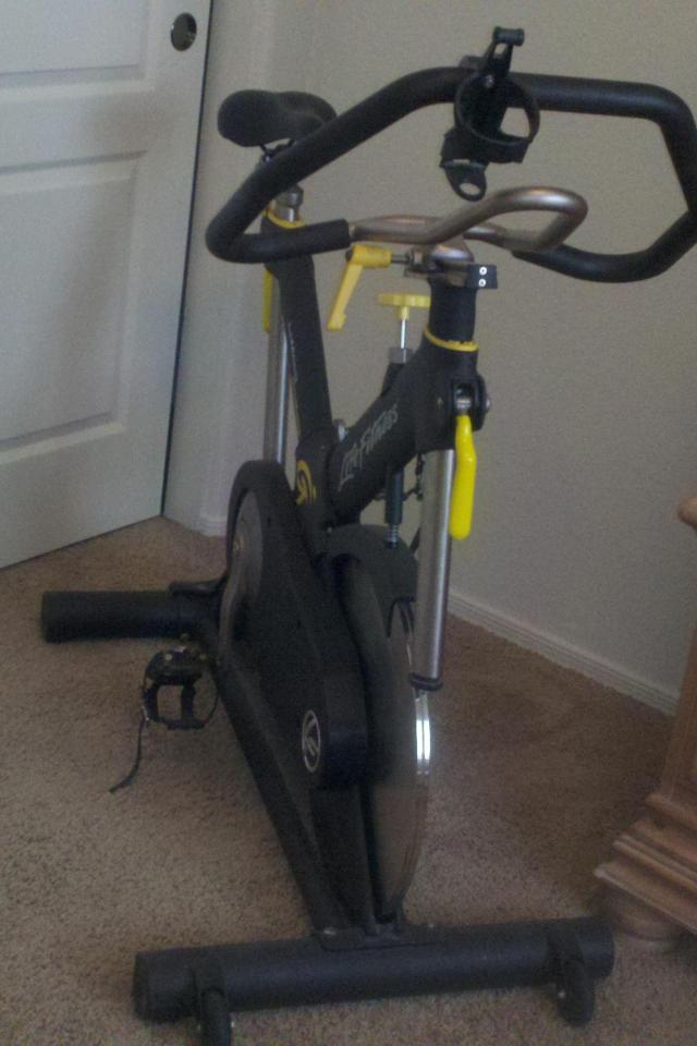 Spinning Bike Life Fitness Photo