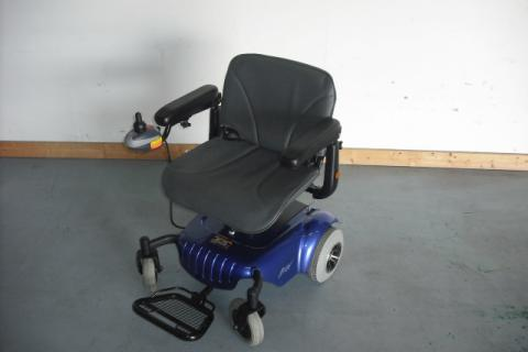 2011 MERTIS POWERCHAIR Photo