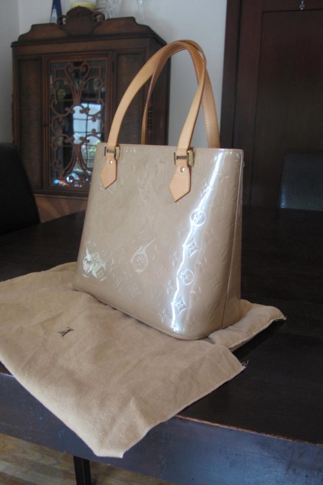 Authentic Louis Vuitton Vernis Houston Handbag - LM0075 Photo