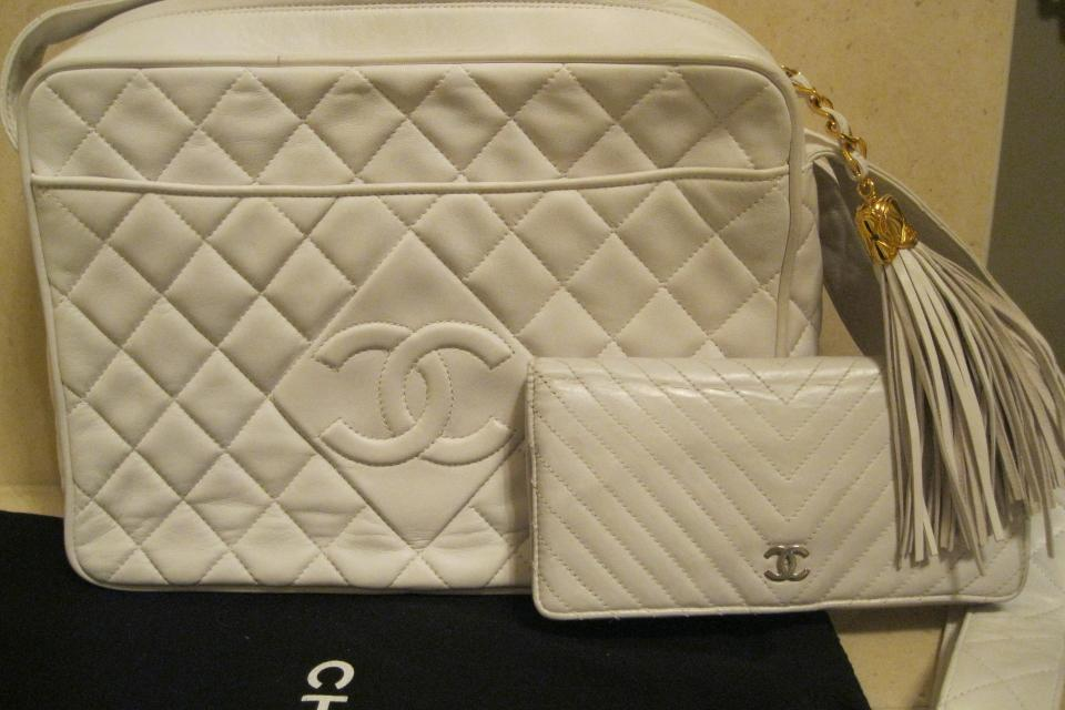 Authentic Vintage White Lamb Chanel Handbag and wallet  Large Photo