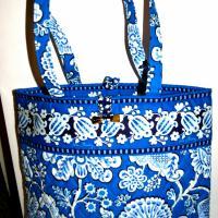 Vera Bradley NWT Tote Blue tones Photo