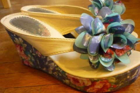 Unique Floral Wedge- Size 7.5 Photo