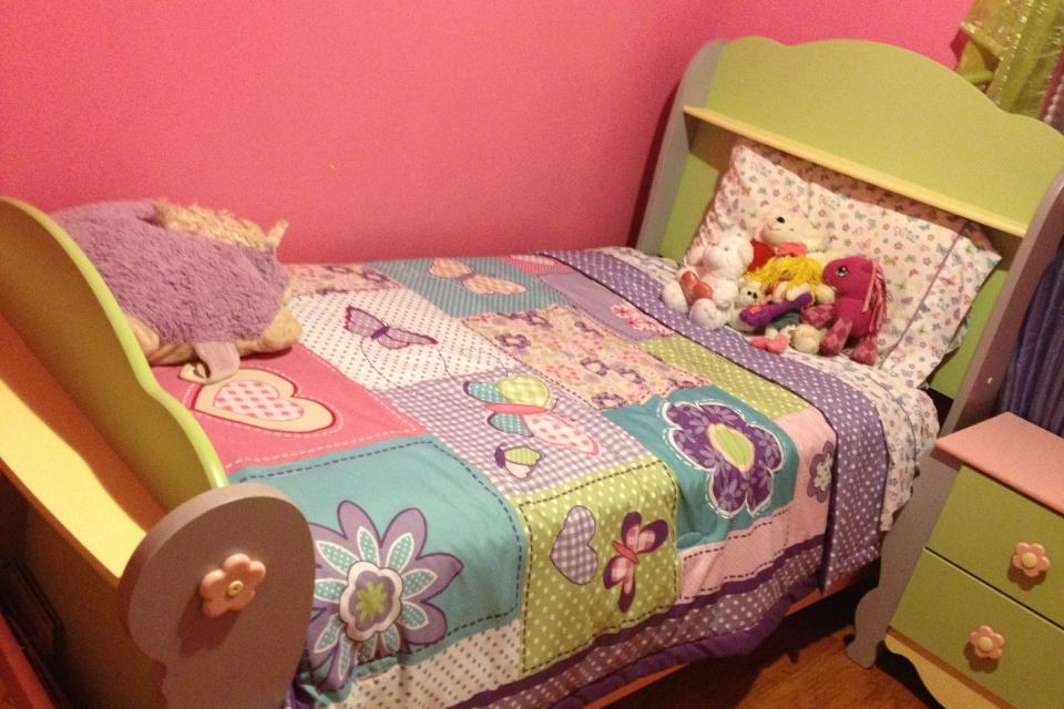 Excellent Girls Twin Bedroom Set 960 x 640 · 90 kB · jpeg