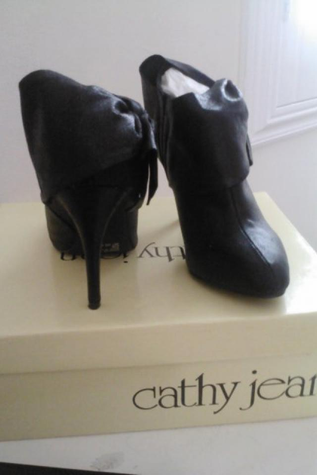 NEW Cathy Jean Shoes Large Photo