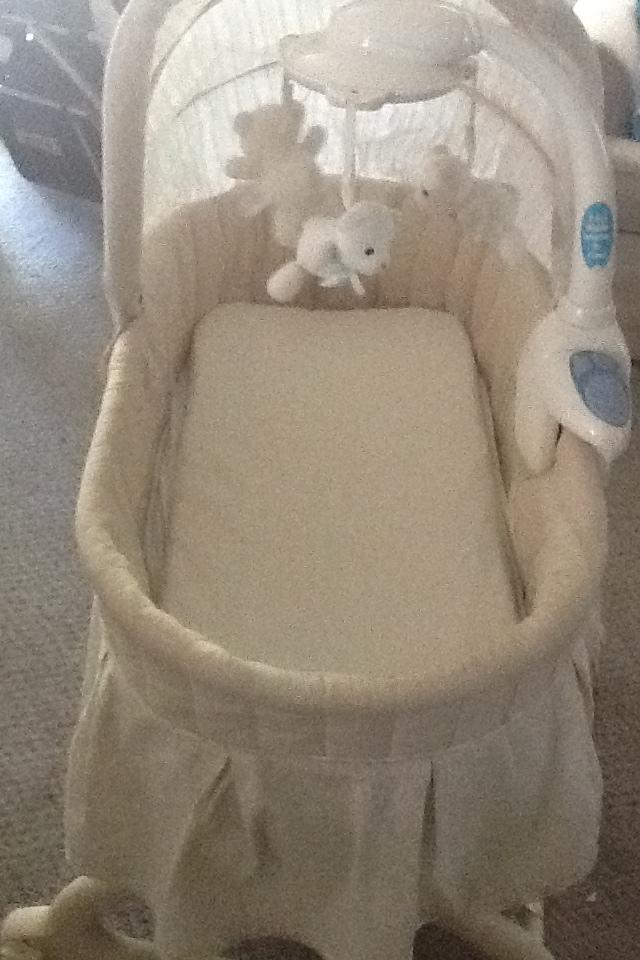 Baby basinet Photo