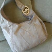 Michael Kors Hobo- pale pink, snake skin Photo
