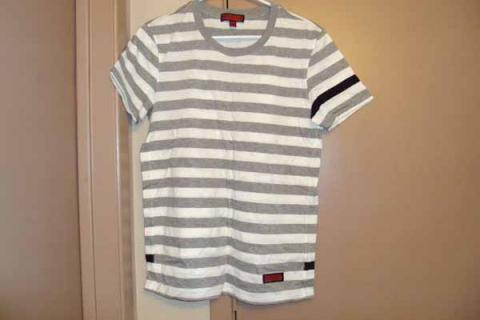 New Without Tag Authentic Burberry Men's T-shirt Tee US Size Small Photo