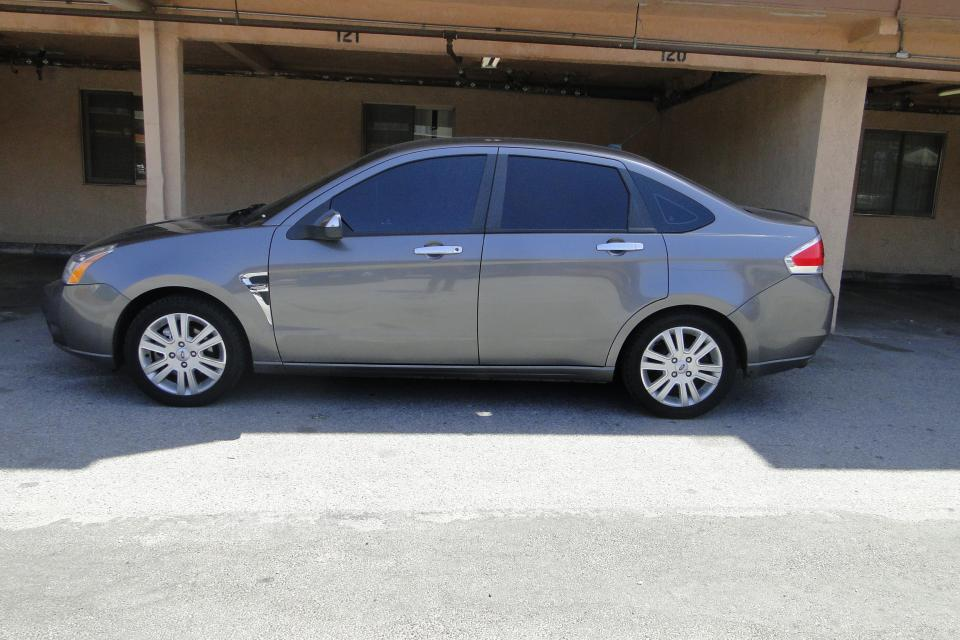 2009 Ford Focus Sedan Large Photo