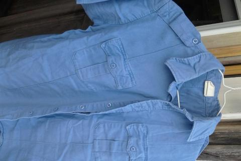 Cool blue shirt Photo