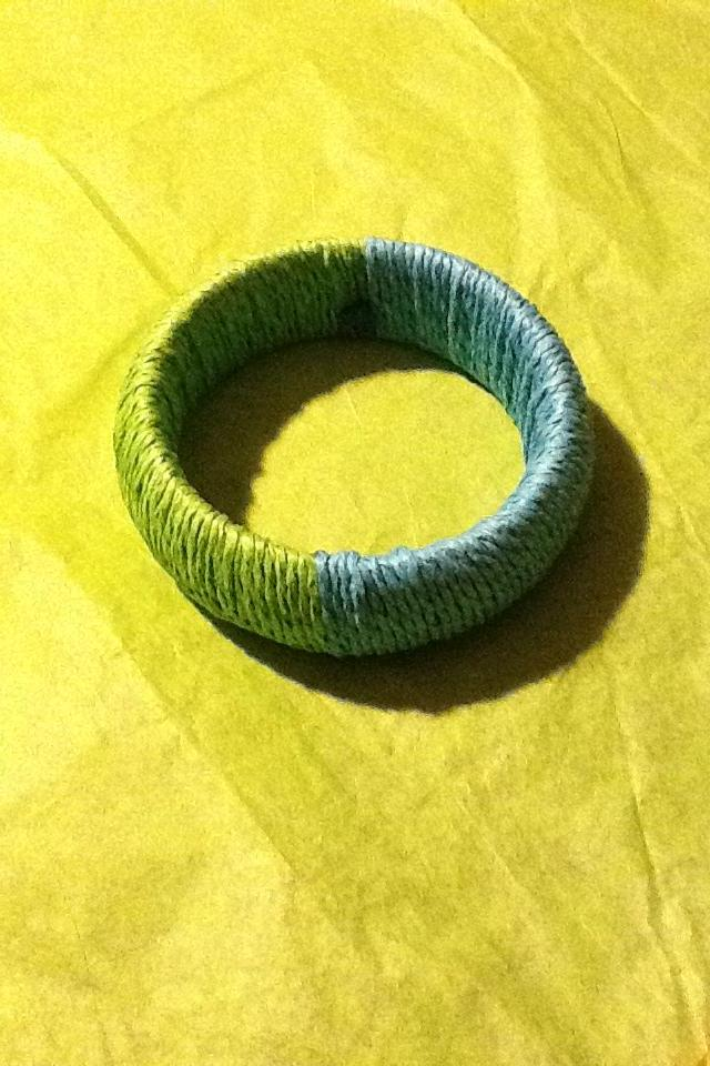 2 Color Thread Bangle Photo