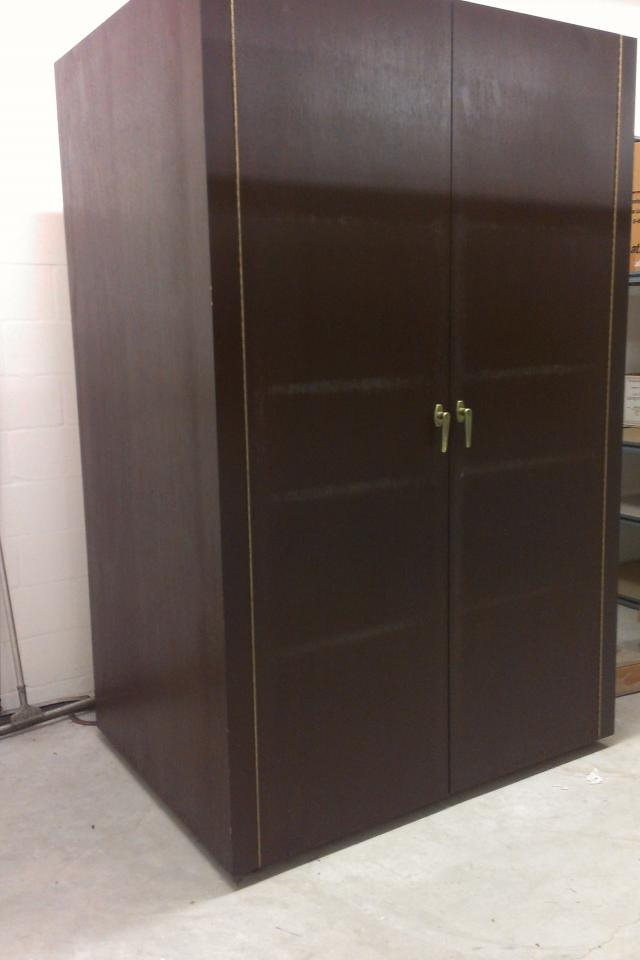 Beautiful cherry/wood wine cellar aprox 8ft tall + 3-4 bottles deep like new must go! Photo