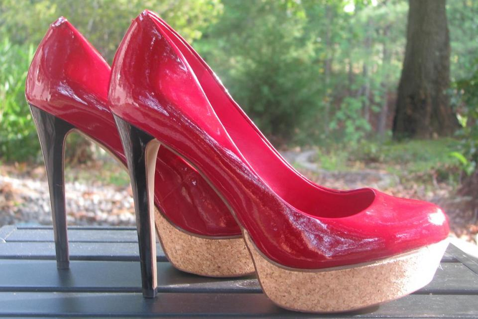 ♥♥JESSICA SIMPSON♥♥ Patent LEATHER Red Pumps Size 6 B, VERY TRENDY, LOOK!!! Large Photo