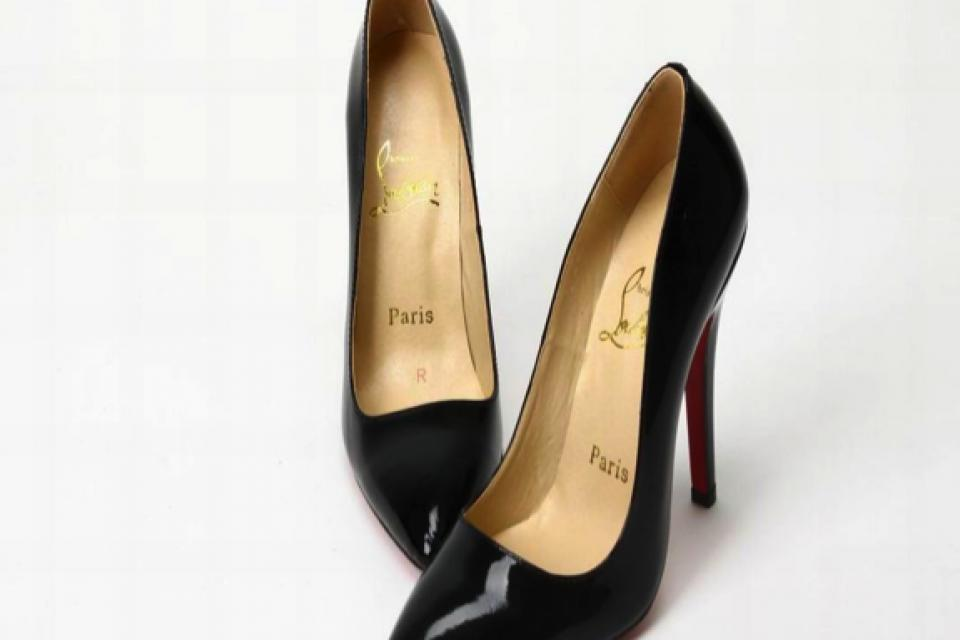 christian louboutins black classic pumps Large Photo
