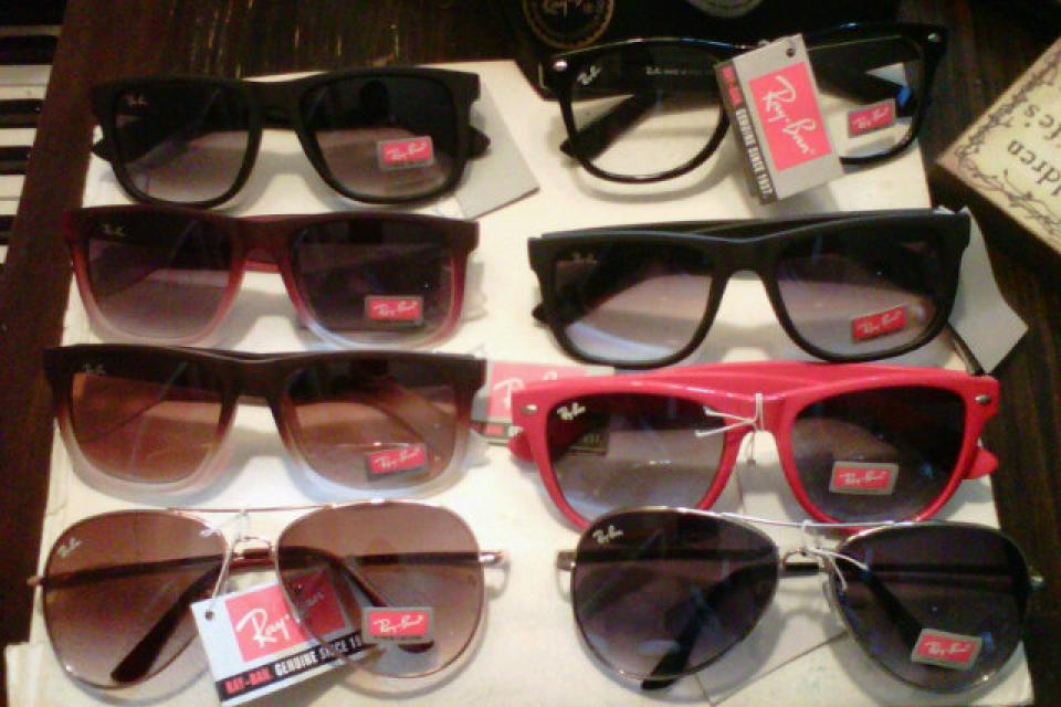 ray bans Large Photo