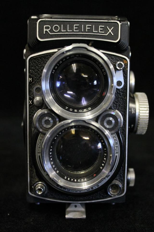 Rolleiflex 2.8/80mm w/ Schneider-Kreuznach Xenotar Lens Serial # 1285618 Photo