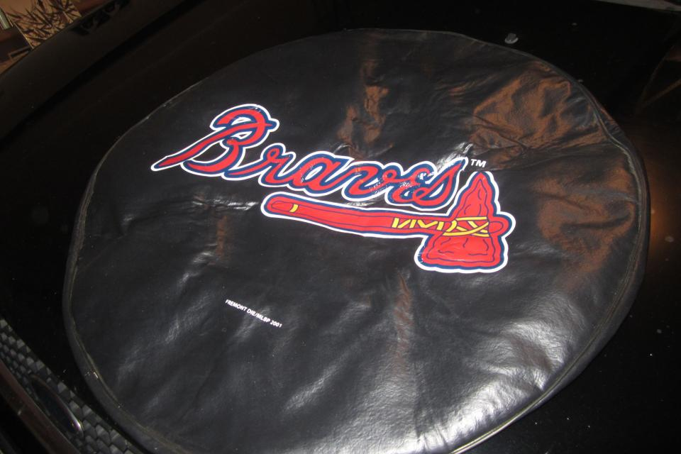 Atlanta Braves Tire cover Large Photo