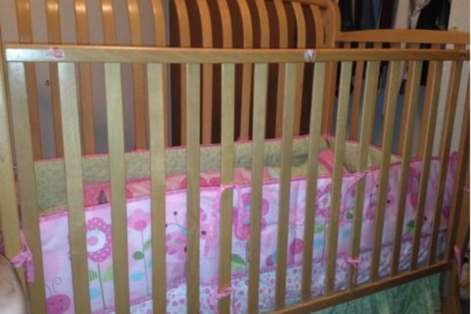 Solid wood crib Large Photo