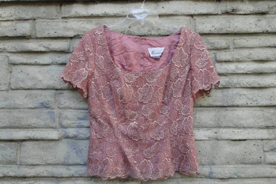 Mauve Rose Pattern Dressy Top Large Photo