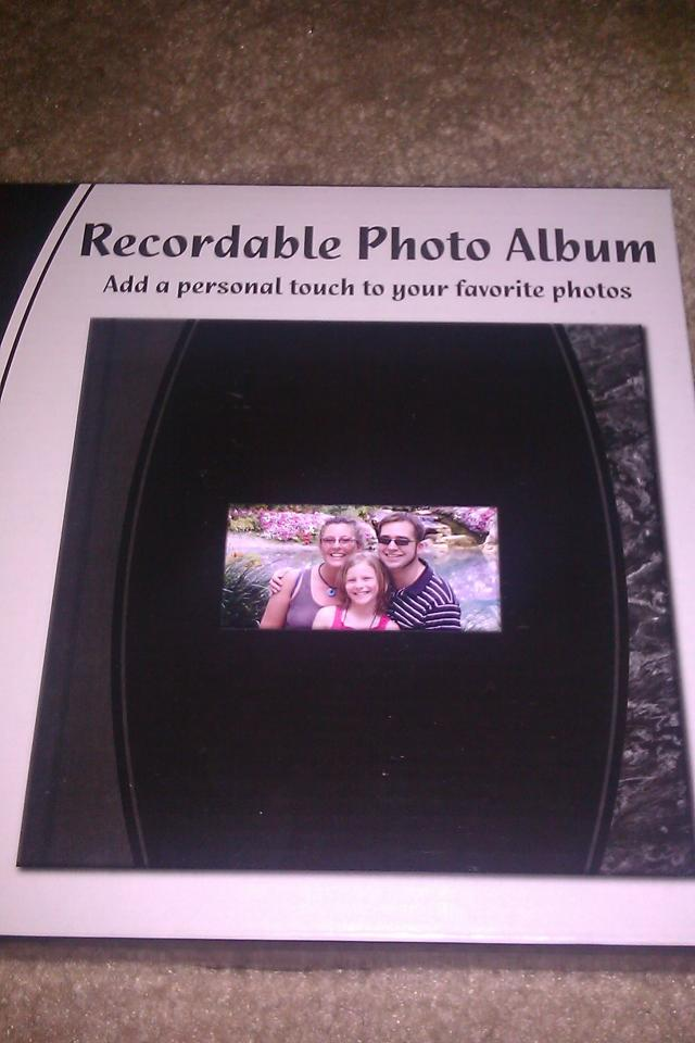 COOL!! RECORDABLE PHOTO ALBUM NIB!! A FAMILY