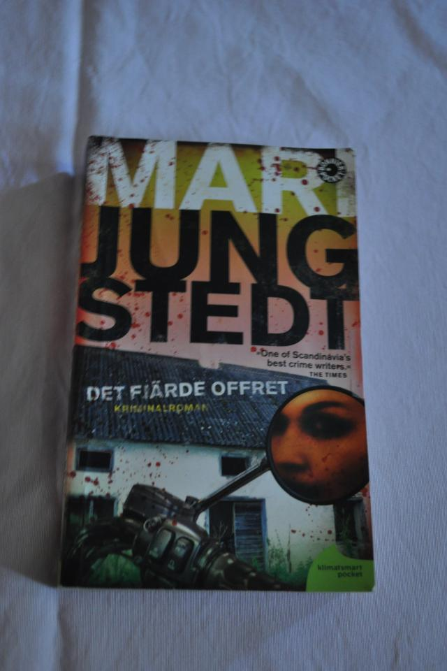 Det Fjarde Offret By Mari Jungstedt - in Swedish Photo