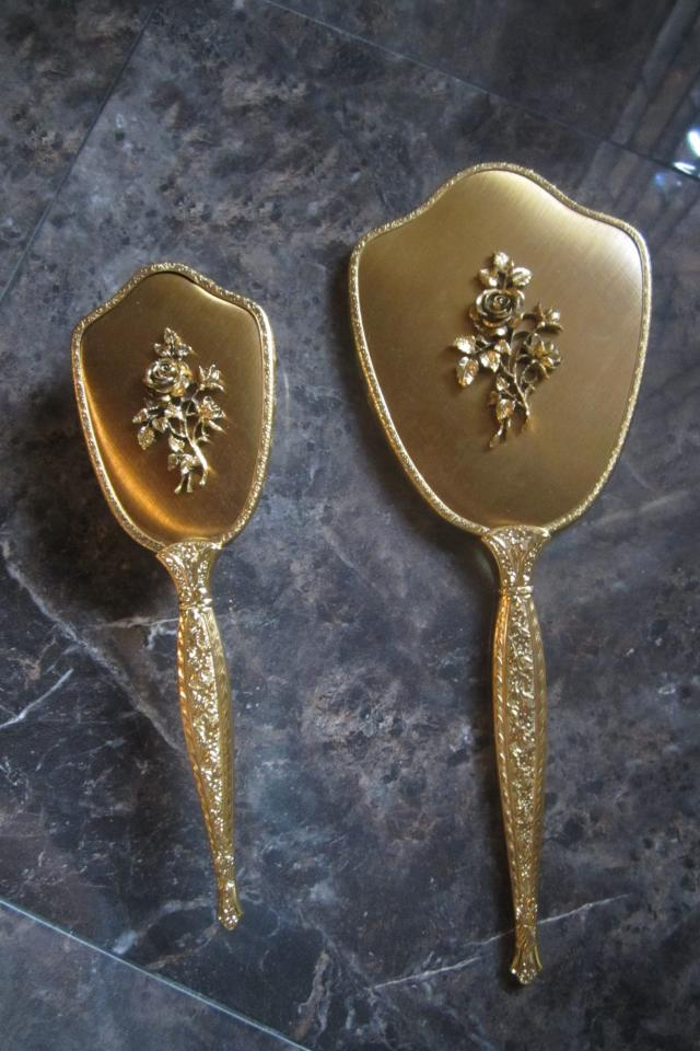 GORGEOUS 24KT GOLD PLATED MIRROR & BRUSH SET Photo