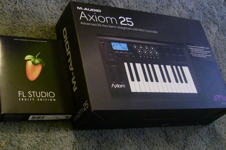 Axiom 25 MIDI and FL Studio 10 Large Photo