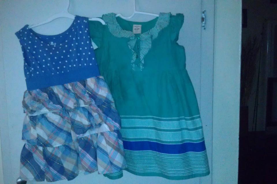 blue dresses Large Photo