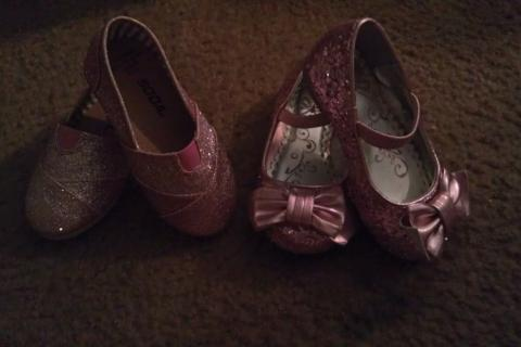 pink glittery toddler shoes. Photo