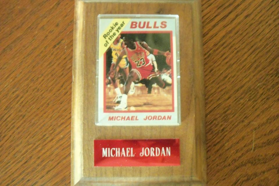 MICHAEL JORDAN ROOKIE OF THE YEAR / RATED ROOKIE CARD WITH WOODEN PLAQUE Large Photo
