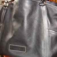 Dooney&Bourke handback Photo