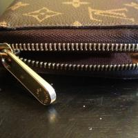 LOUIS VUITTON Monogram Canvas Zippy Wallet! Photo
