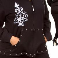 HOODIE WITH FRONT POCKET Photo