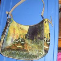 vinyl handbag with a print of a paintings from Van Gogh Photo