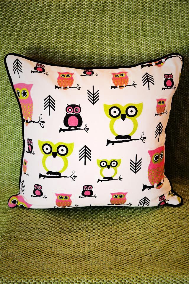 Owl Pillow Large Photo