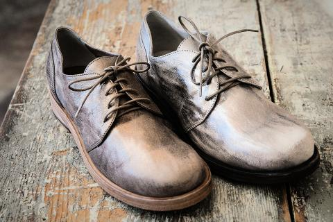 Vic Matie Metallic Oxford Photo