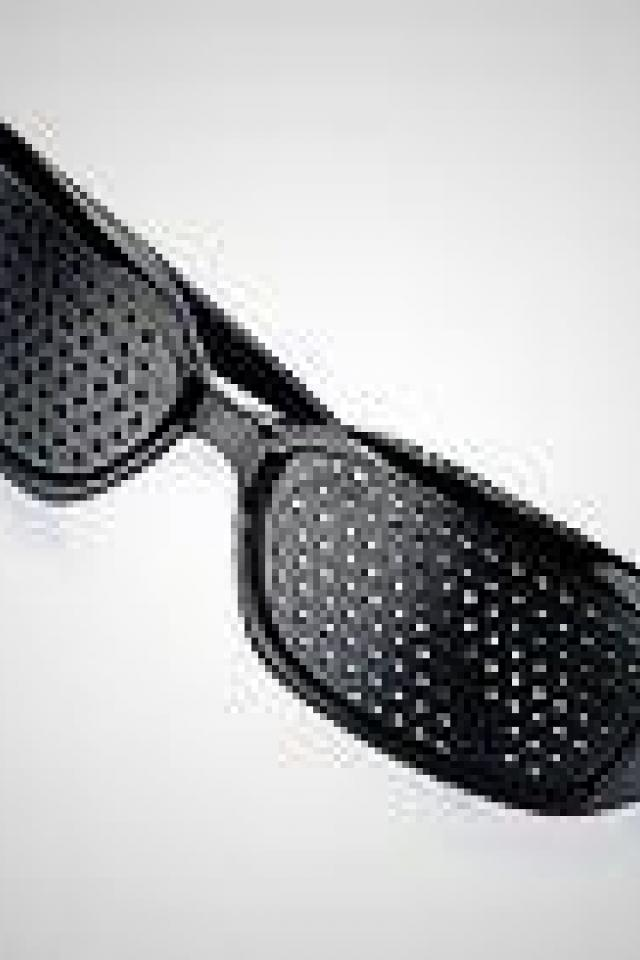 pinhole glasses Photo