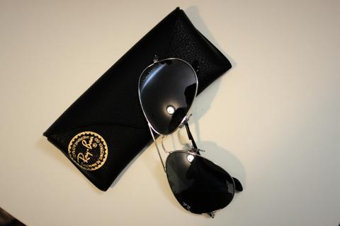 RAY-BAN AVIATOR SUNGLASSES Photo