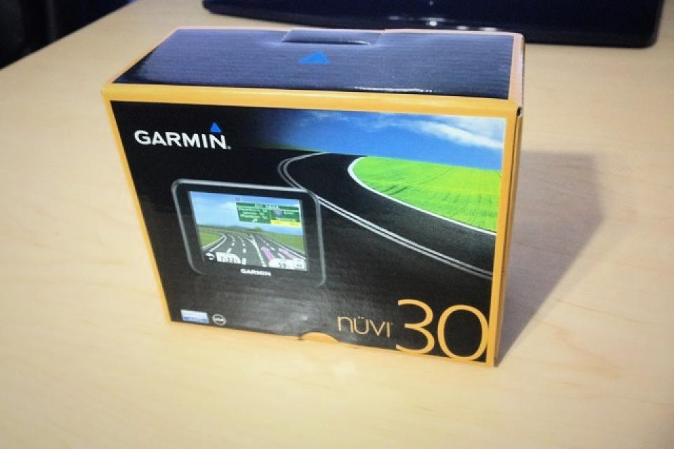 Garmin NUVI 30 3.5-Inch Portable GPS Navigator (US and Canada) *NEW* Large Photo