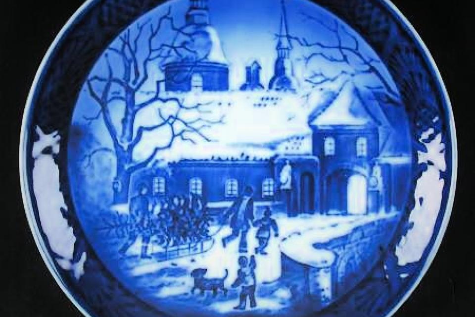 Royal Copenhagen Christmas Plate  Large Photo