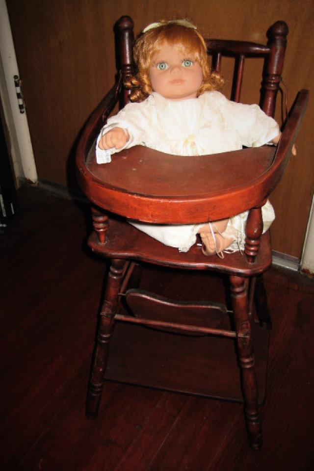 VINTAGE DOLL HIGH CHAIR Photo
