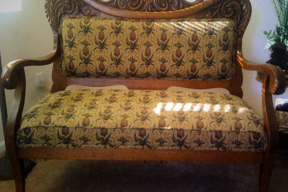 Loveseat with carved oak frame Large Photo