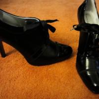 Tahari Oxford Heels  Photo