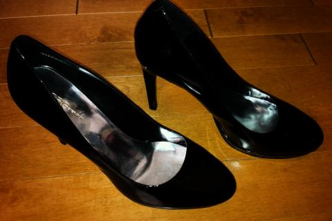 BCBGeneration BCBG Black patent heels Photo