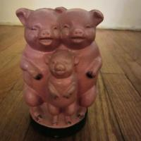 "Vintage Cast Iron ""Three Little Pigs"" Bank  Photo"
