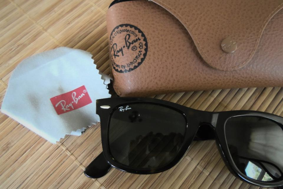 Ray-Ban Wayfarer Sunglasses Large Photo