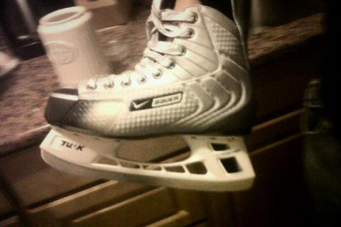 nike bauer ice skates Photo