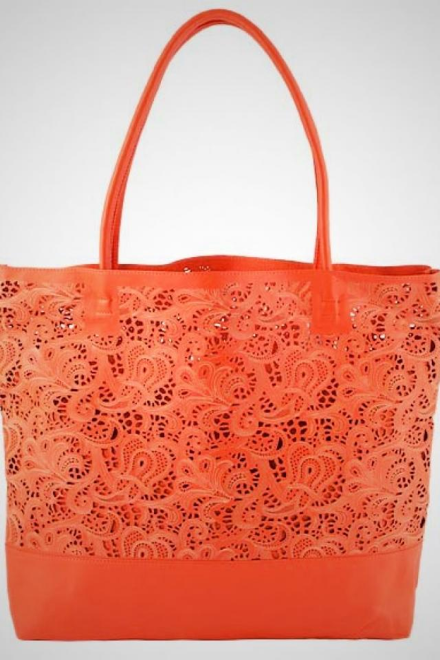 Tote Large Photo