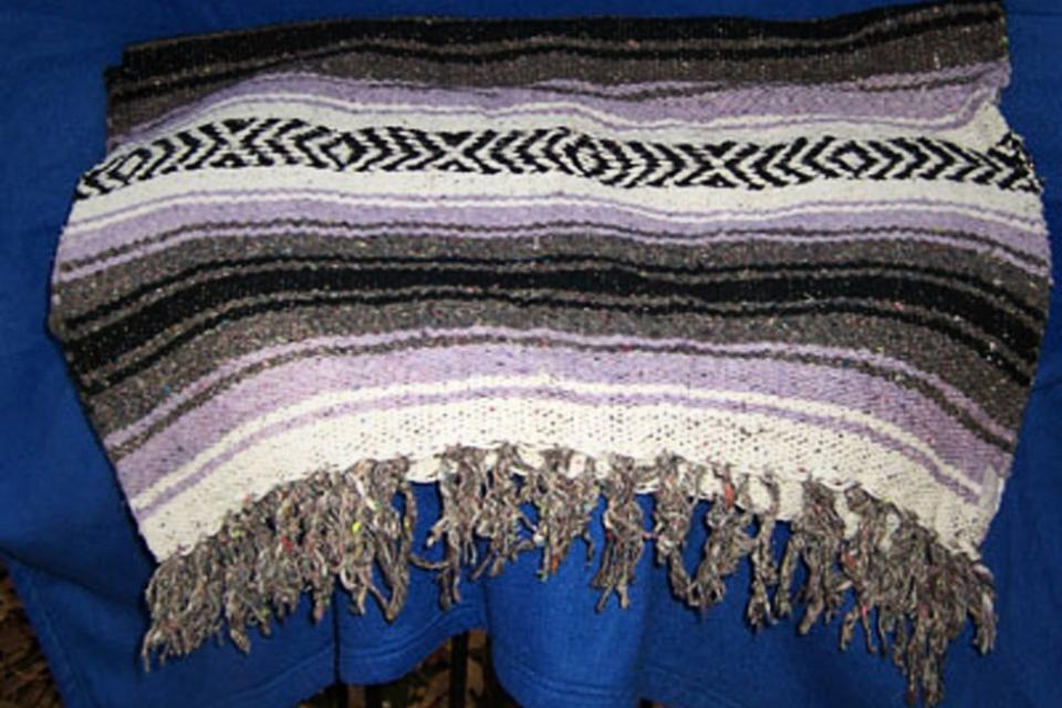 Large Mexican blanket, purple/black Large Photo