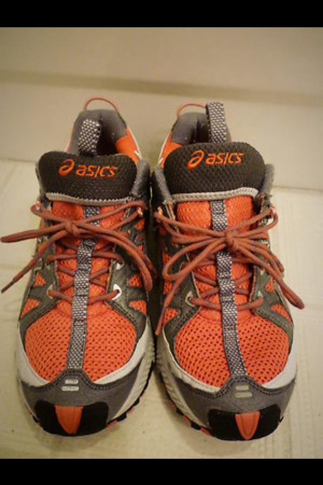 W's 8.5 Asics Trail Running Large Photo