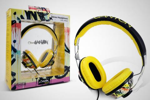Pilot-look headphones with colorful graffiti pattern Photo